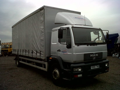 MAN 18ton curtain sider