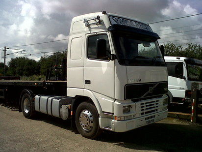 VOLVO FH12 GLOBETROTER 4X2