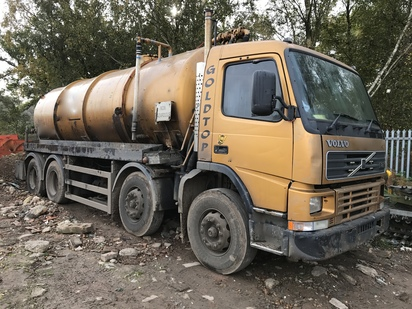 VOLVO FM7 8X4 FITED WITH WHALE VACUUM...